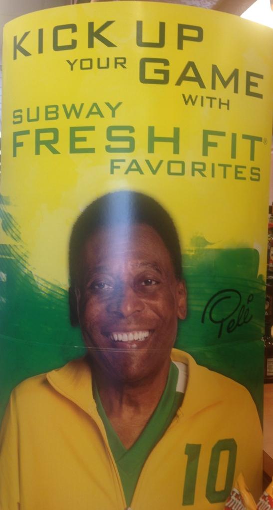 Pelé was everywhere ! Pelé estava em todos os lugares !