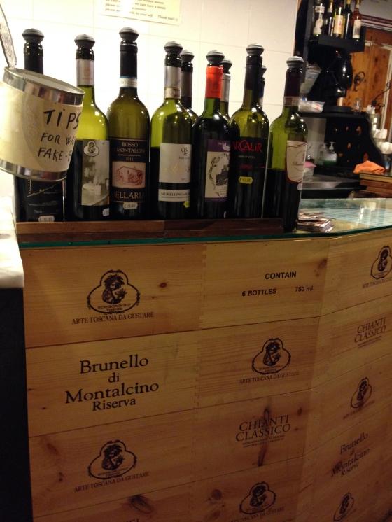 A good wine selection !  Boa seleçāo de vinhos !