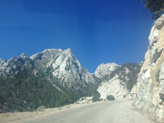Mt. Whitney , on our way to Sequoia National Park ! Monte Whitney, no caminho para o Parque Nacional das Sequoias !