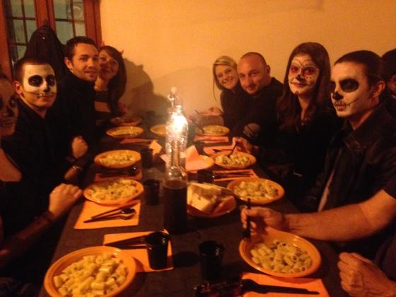 Our table ! Nossa mesa !